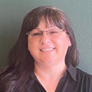 Lori Crane Headshot-1-1