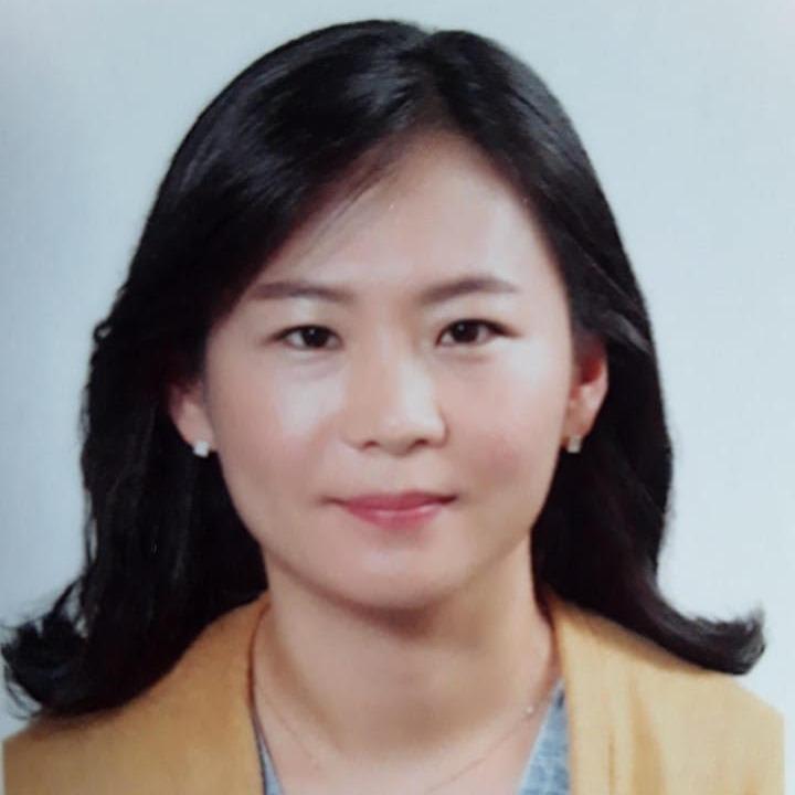 Mijin Han Headshot